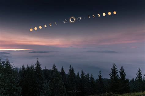 The best photos and videos of the 2017 solar eclipse