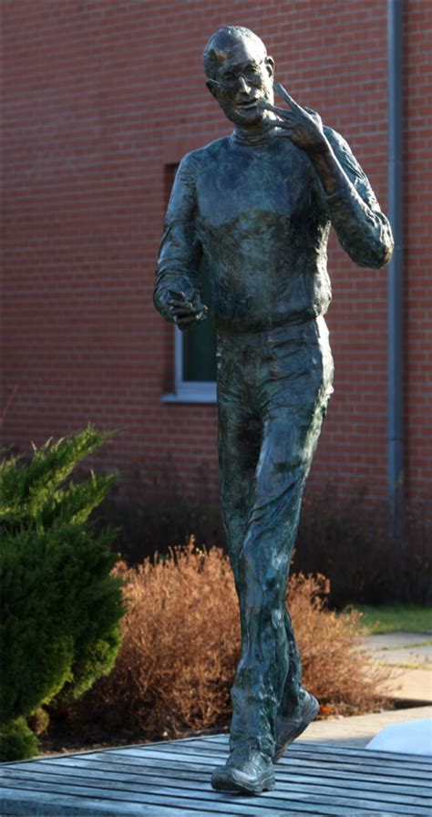 Steve Jobs Bronze Statue Unveiled In Hungary [PHOTO
