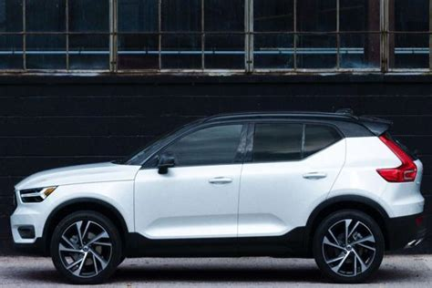 Volvo Launched Its New Small SUV, 2018 Volvo XC40, Price